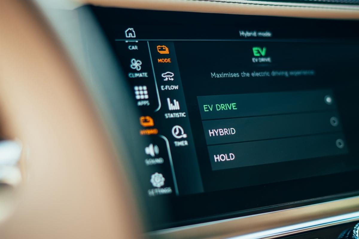 Bentley ra mắt Flying Spur Hybrid siêu tiết kiệm nhiên liệu - ảnh 9