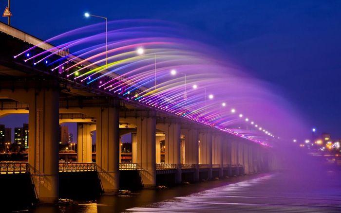 Những đài phun nước lộng lẫy, hoành tráng trên thế giới - ảnh 14