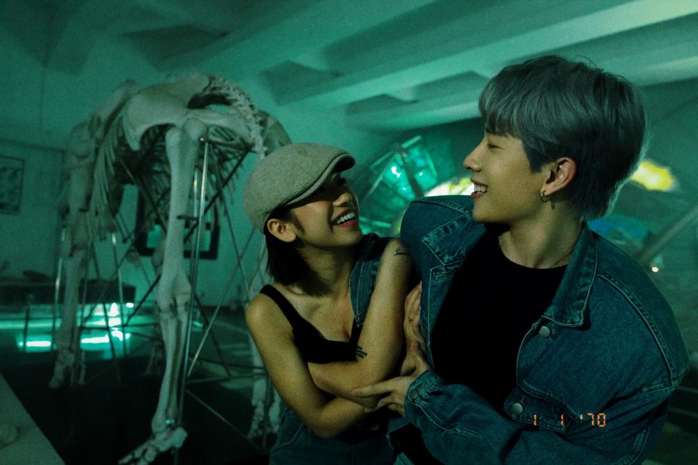 Trở lại sau 2 năm, MONSTAR tung MV đẹp như phim điện ảnh lại còn leo Top 1 BXH Itunes Việt Nam - ảnh 6