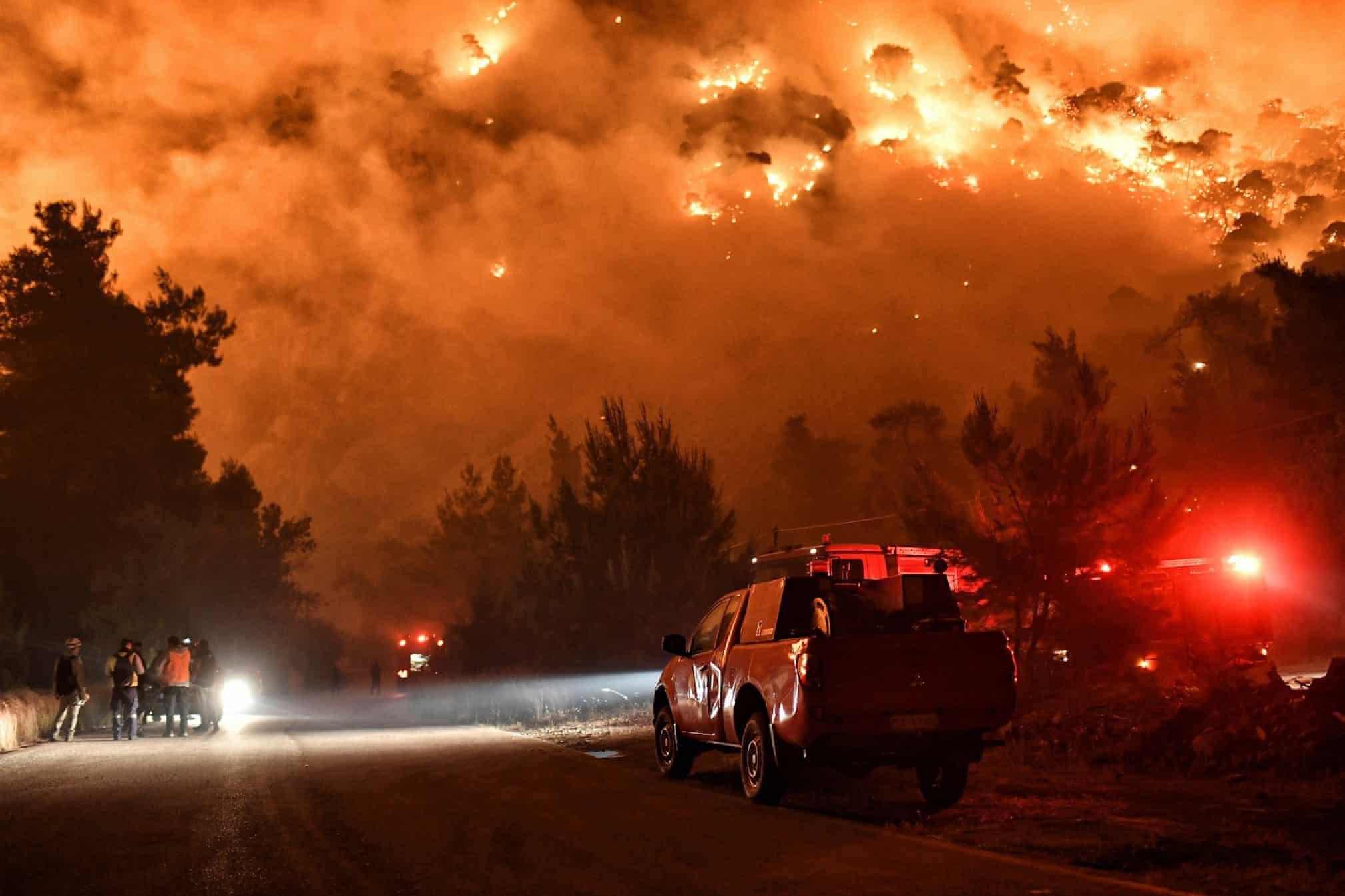Lũ lụt, cháy rừng và loạt ảnh khủng hoảng khí hậu toàn cầu - ảnh 2
