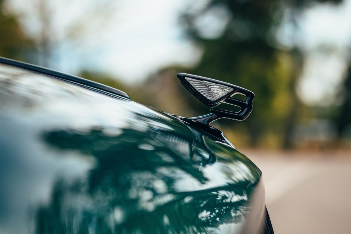 Bentley ra mắt Flying Spur Hybrid siêu tiết kiệm nhiên liệu - ảnh 11