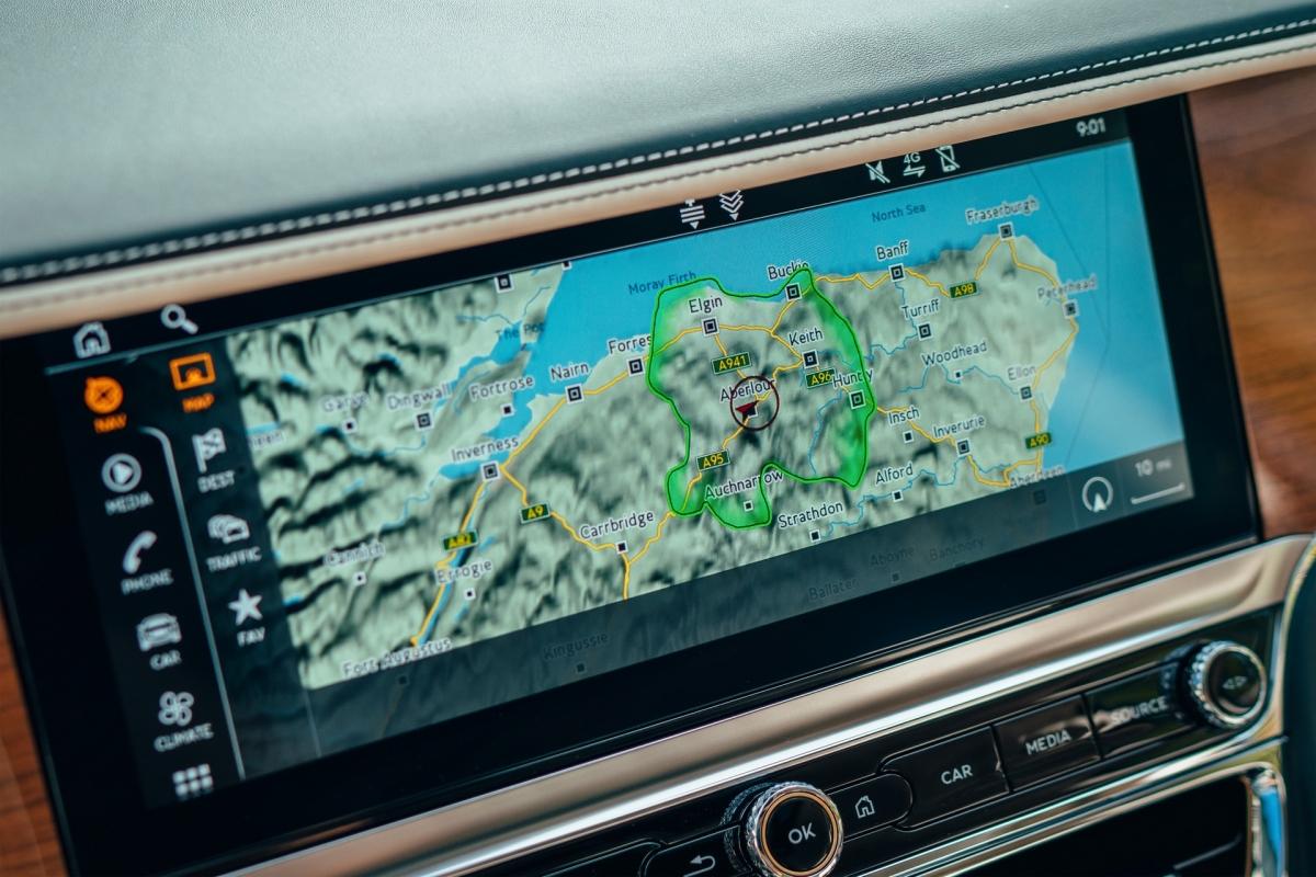 Bentley ra mắt Flying Spur Hybrid siêu tiết kiệm nhiên liệu - ảnh 10