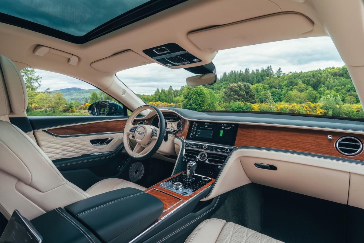 Bentley ra mắt Flying Spur Hybrid siêu tiết kiệm nhiên liệu - ảnh 8