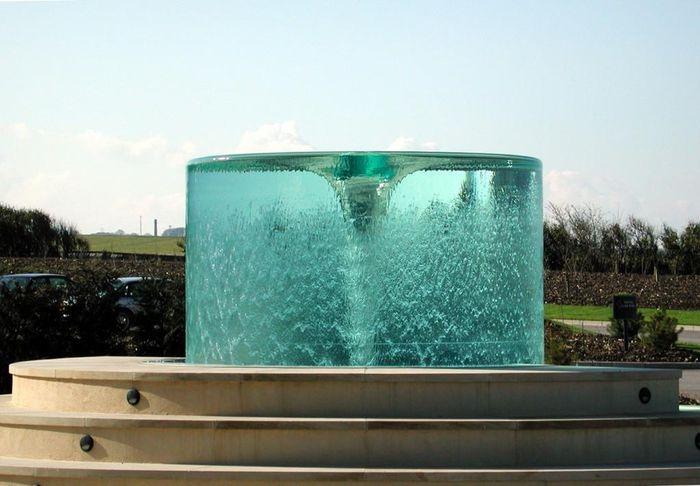 Những đài phun nước lộng lẫy, hoành tráng trên thế giới - ảnh 17