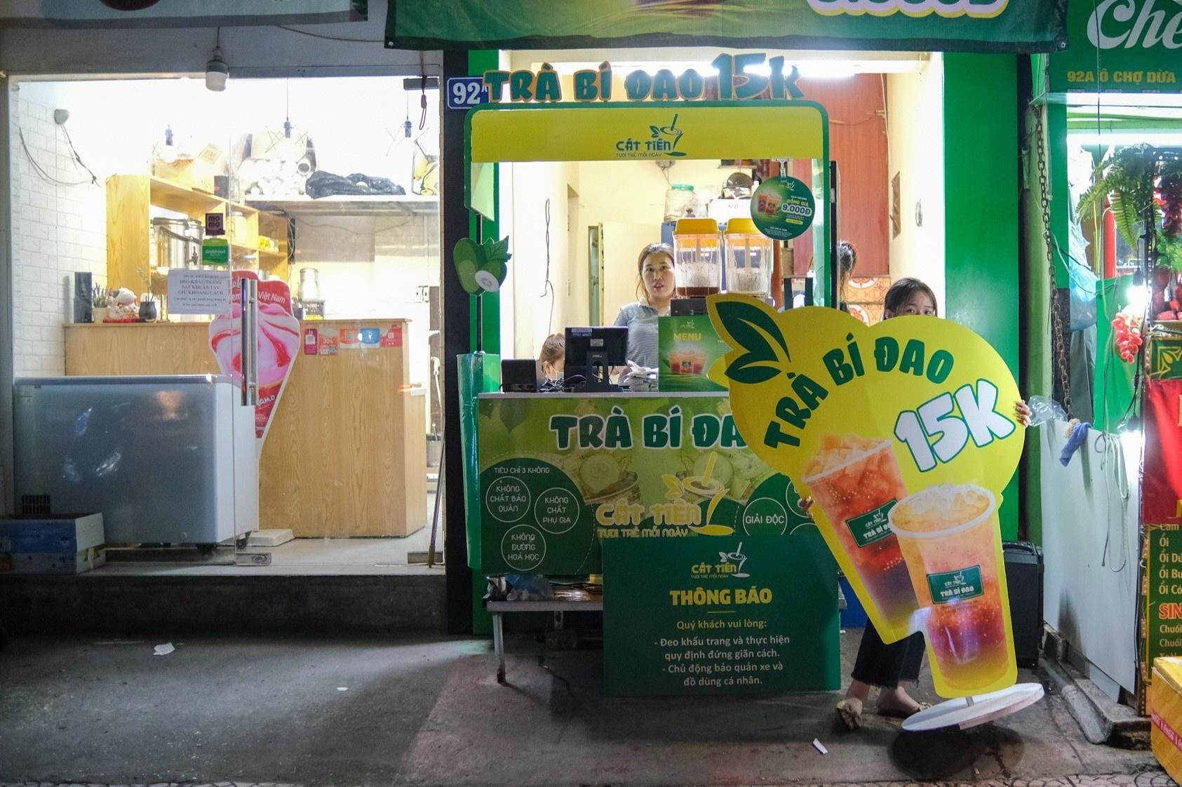 Bán mang về 1.000 cốc trà bí đao mỗi ngày ở Hà Nội - ảnh 11