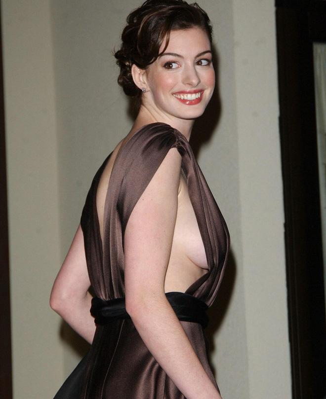 Anne Hathaway thời trẻ: Chăm hở bạo khoe ngực nhưng không phô phang, còn khiến người ta mê mẩn đến tận bây giờ - ảnh 8