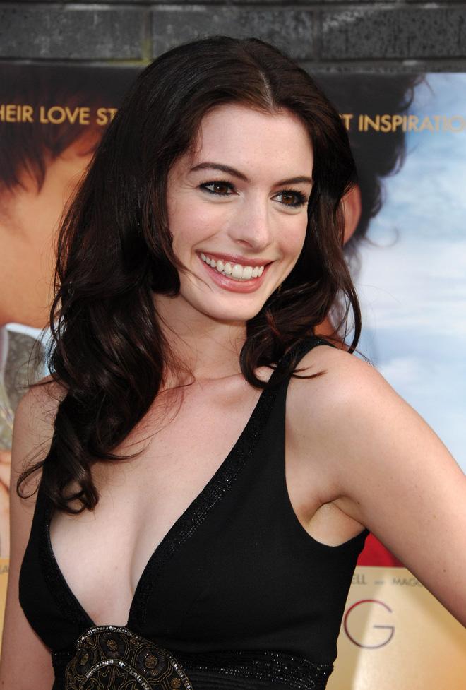 Anne Hathaway thời trẻ: Chăm hở bạo khoe ngực nhưng không phô phang, còn khiến người ta mê mẩn đến tận bây giờ - ảnh 13