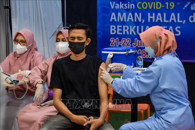 Biểu tình lớn tại Bangkok giữa đại dịch Covid-19 - ảnh 4