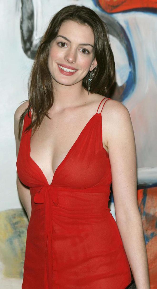 Anne Hathaway thời trẻ: Chăm hở bạo khoe ngực nhưng không phô phang, còn khiến người ta mê mẩn đến tận bây giờ - ảnh 10