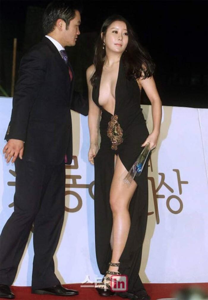 Những lần mặc như không mặc của sao Hàn khiến fan ngượng chín mặt - ảnh 6