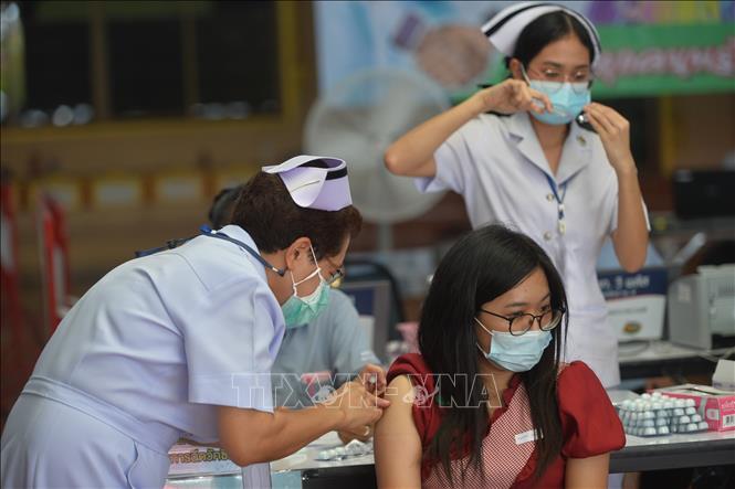 Biểu tình lớn tại Bangkok giữa đại dịch Covid-19 - ảnh 7