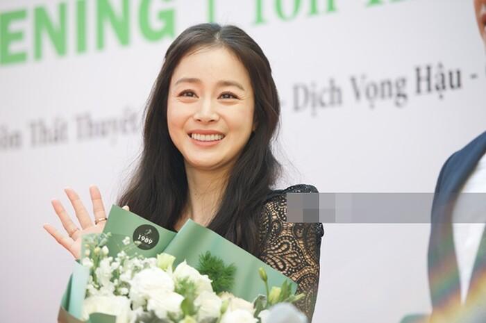 Sao Hàn - Trung - Việt tuổi tứ tuần: Song Hye Kyo, Lâm Tâm Như, Kim Tae Hee vẫn thua xa sao Việt này - ảnh 2