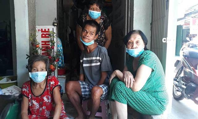 Dịch bệnh hoành hành, bà chủ nhà trọ ở TP.HCM lo miếng ăn cho người nghèo - ảnh 3
