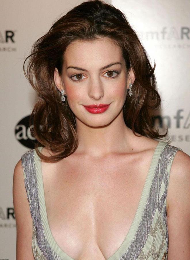 Anne Hathaway thời trẻ: Chăm hở bạo khoe ngực nhưng không phô phang, còn khiến người ta mê mẩn đến tận bây giờ - ảnh 5