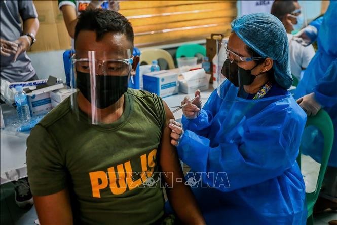 Biểu tình lớn tại Bangkok giữa đại dịch Covid-19 - ảnh 5
