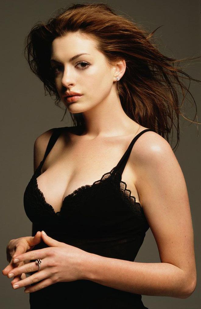 Anne Hathaway thời trẻ: Chăm hở bạo khoe ngực nhưng không phô phang, còn khiến người ta mê mẩn đến tận bây giờ - ảnh 15