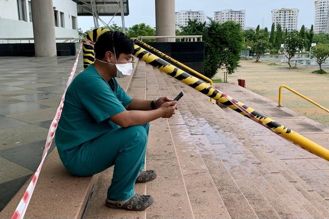 17 giờ chạy xuyên đêm, 5 xe cấp cứu của Đà Nẵng chi viện TPHCM chống dịch - ảnh 3