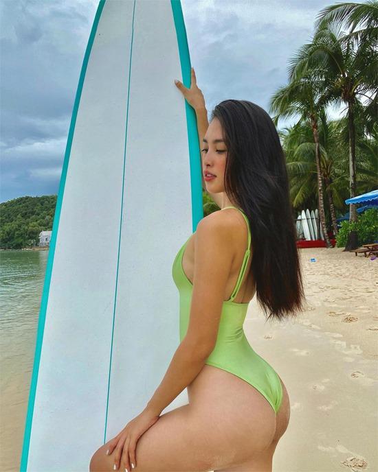 Hoa hậu Tiểu Vy táo bạo mặc váy ngủ đi siêu thị - ảnh 5
