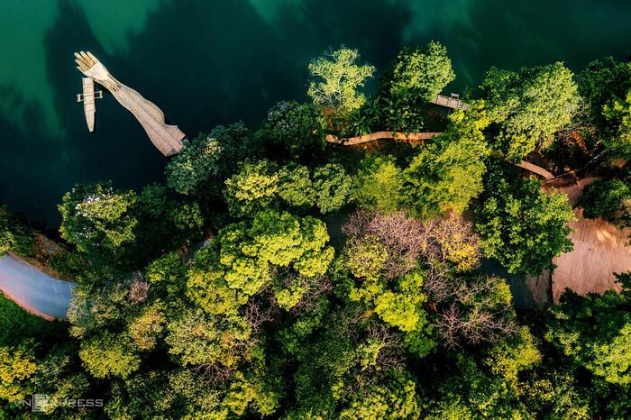 Leo thác khám phá núi rừng Ba Vì - ảnh 2