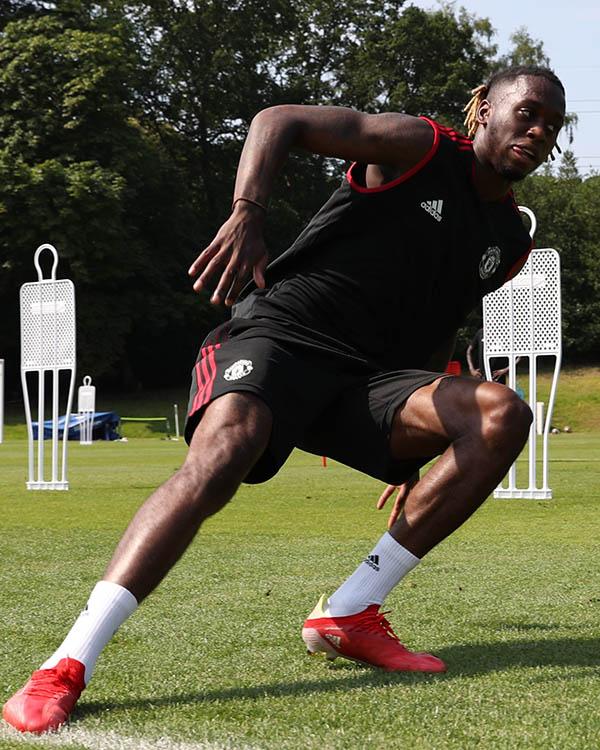 Man Utd tập hăng say, xuất hiện cạ cứng với De Gea, Henderson - ảnh 7
