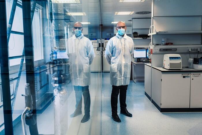 Bên trong cơ sở sản xuất vaccine Covid-19 của BioNTech - ảnh 5