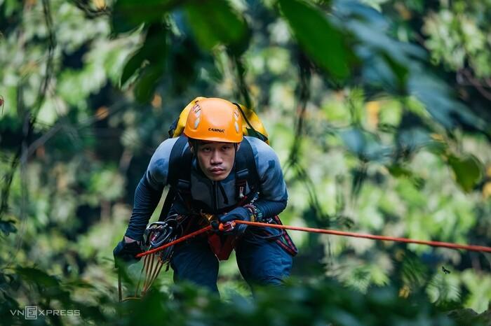 Leo thác khám phá núi rừng Ba Vì - ảnh 8