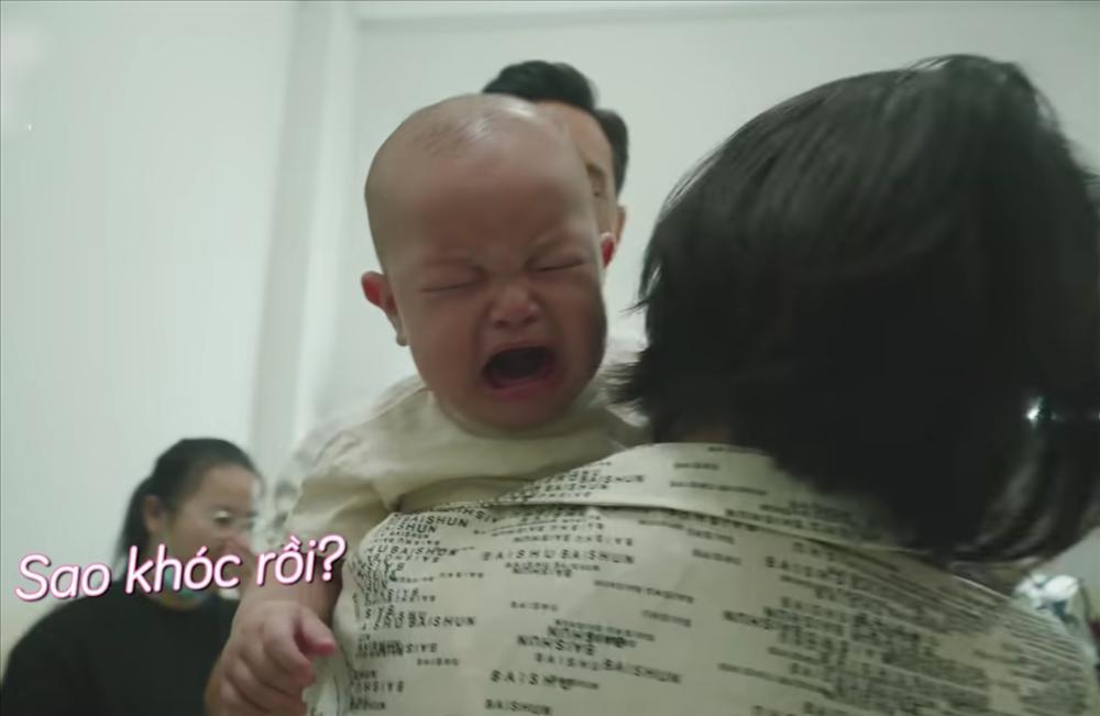 Con trai Hồ Ngọc Hà liên tục 'trở mặt' dù đóng có 2s quảng cáo - ảnh 8