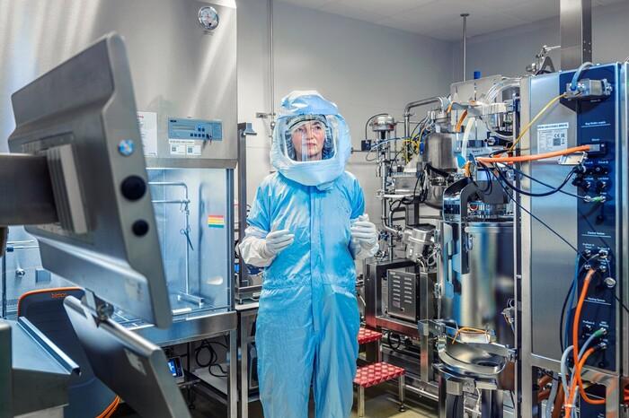 Bên trong cơ sở sản xuất vaccine Covid-19 của BioNTech - ảnh 3
