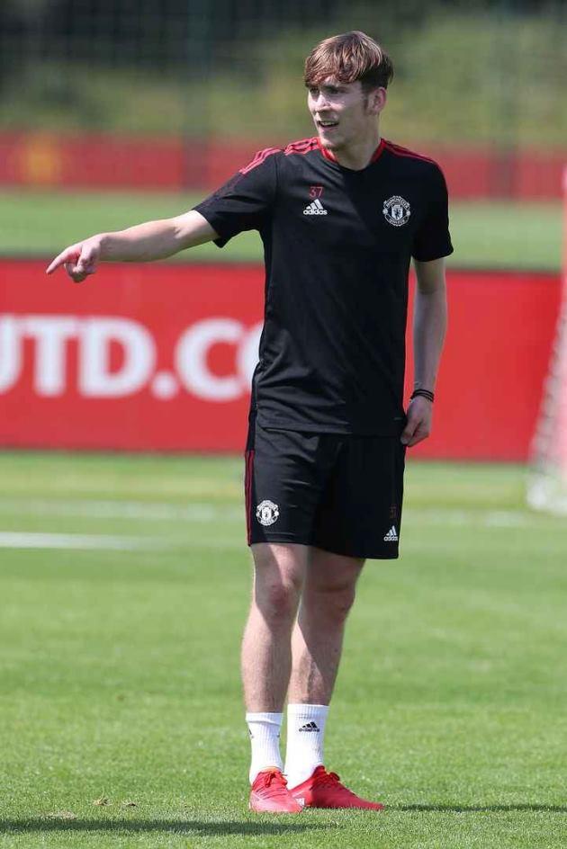 Trở lại Man Utd, Jesse Lingard được Michael Carrick chỉ bảo tận tình - ảnh 5