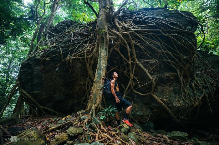 Leo thác khám phá núi rừng Ba Vì - ảnh 6