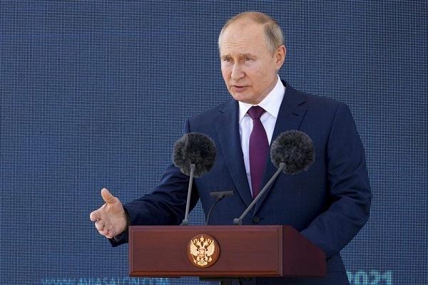 """Ông Putin chiêm ngưỡng tiêm kích """"Chiếu tướng"""" tiên tiến của Nga - ảnh 4"""