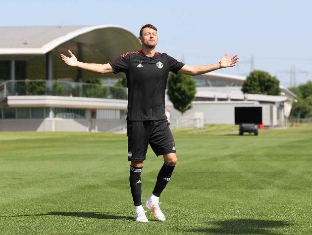 Trở lại Man Utd, Jesse Lingard được Michael Carrick chỉ bảo tận tình - ảnh 9