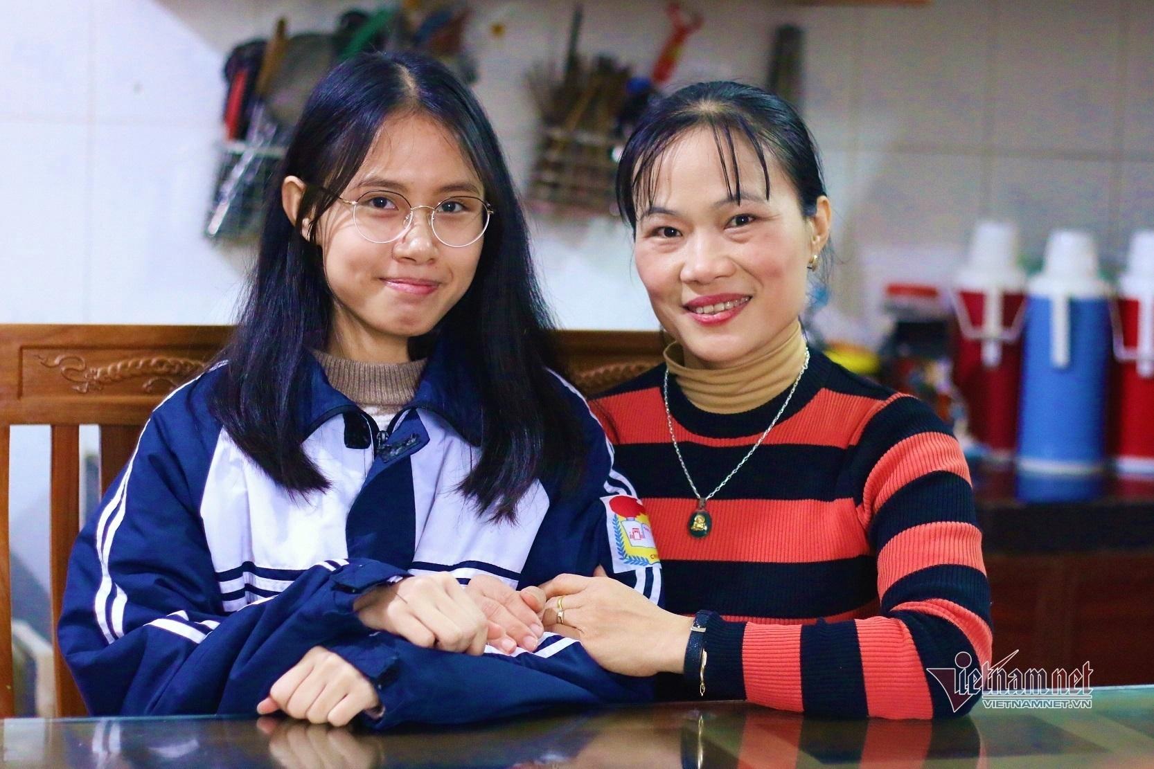 Nữ sinh Phú Thọ bật khóc vì 'đổi màu' huy chương Olympic quốc tế - ảnh 2