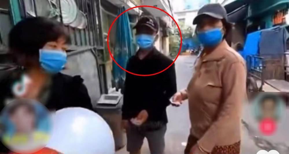 Youtuber lên tiếng vụ không phát cơm từ thiện cho 'bụi đời', người sơn móng tay móng chân - ảnh 4