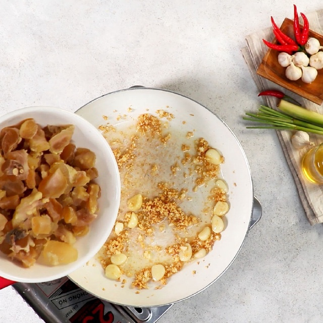 Cuối tuần làm món gân bò cháy tỏi, đậm đà đầy hấp dẫn ăn là ghiền ngay - ảnh 5
