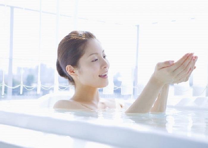 Tắm đúng cách nàng sẽ sở hữu một làn da láng mịn, mềm mượt như quảng cáo - ảnh 2