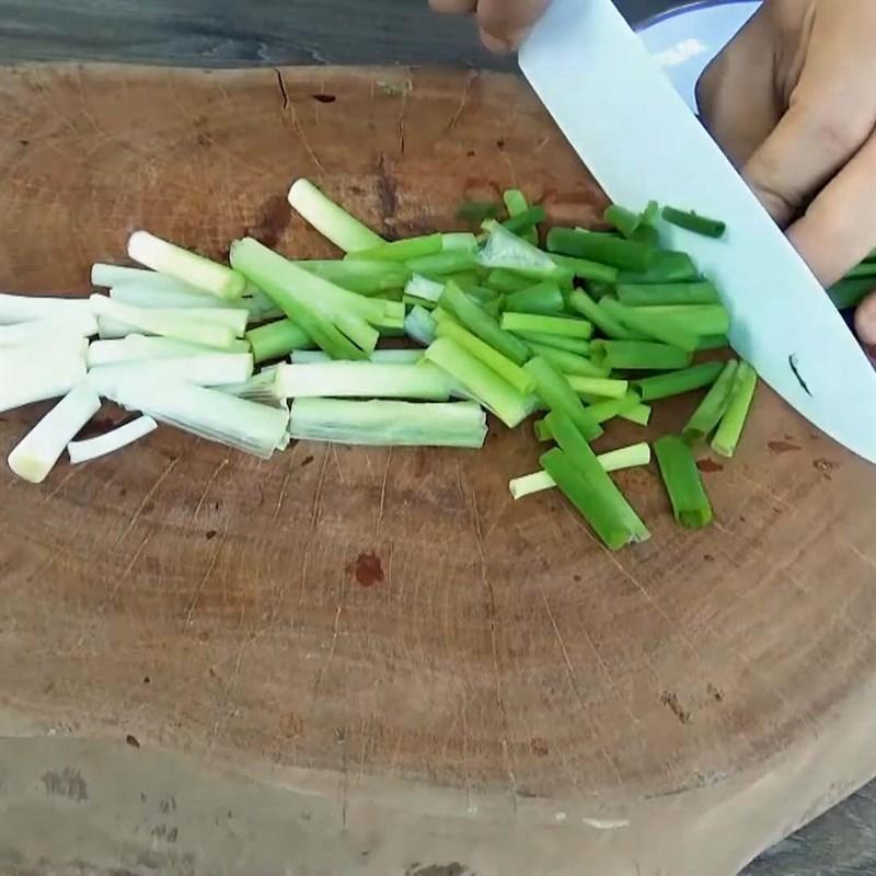 Cách làm măng xào lá lốt thơm ngon hấp dẫn, đơn giản tại nhà - ảnh 3