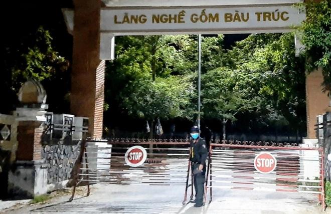 BV Tây Ninh ngừng tiếp nhận bệnh nhân, Ninh Thuận lập BV dã chiến - ảnh 2