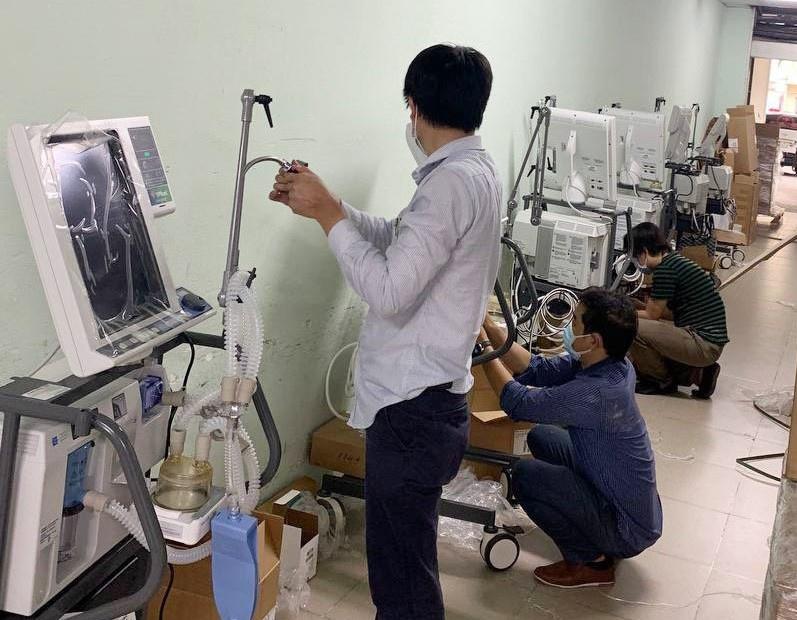 VPBank hỗ trợ gấp 715 máy thở hiện đại cho các tỉnh phía Nam - ảnh 2