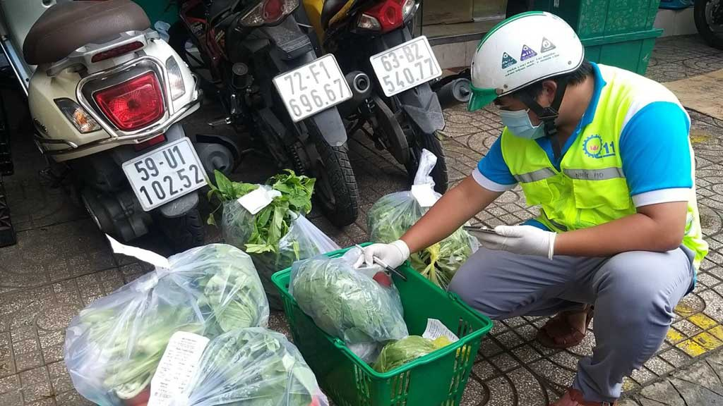 Đi chợ giúp dân: Những shipper 0 đồng - ảnh 2