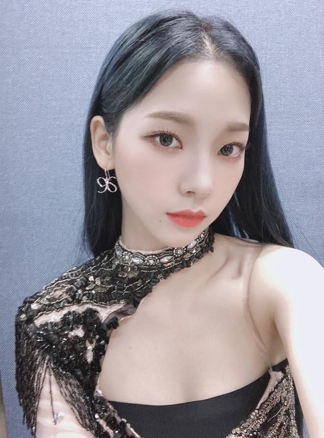 Sana – Jennie – Irene: Ba mỹ nhân có rãnh lưng sâu siêu gợi cảm - ảnh 15