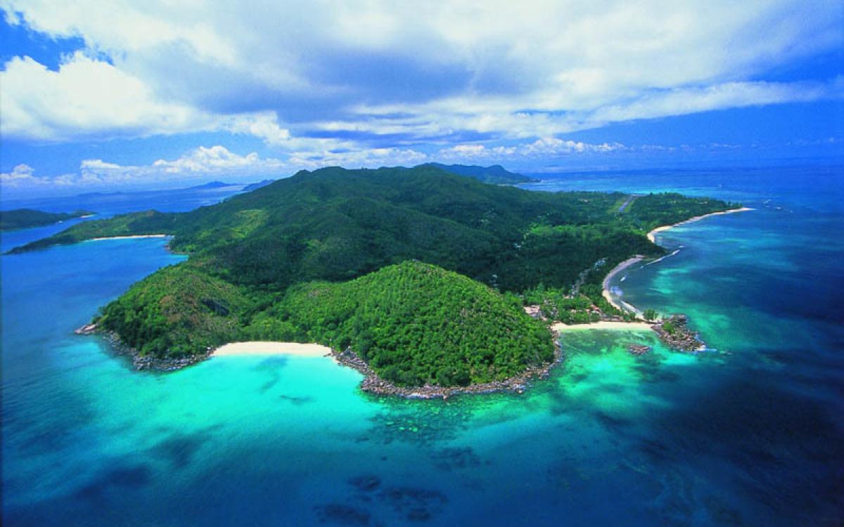 Những hòn đảo đẹp nhất thế giới bạn nhất định phải ghé thăm khi hết dịch - ảnh 10