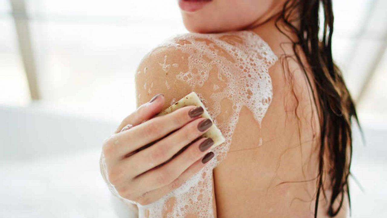 Tắm đúng cách nàng sẽ sở hữu một làn da láng mịn, mềm mượt như quảng cáo - ảnh 7