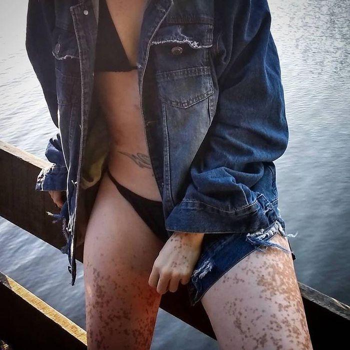 Soi hình xăm 'chất lừ' Cassie Trinh Võ, người mẫu ảnh kiêm tình cũ Binz - ảnh 19