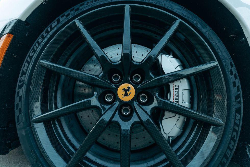Ferrari SF90 Stradale lập kỷ lục tăng tốc 0-100 km/h trong 2 giây - ảnh 13