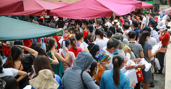 Hà Nội: Cách ly y tế tòa chung cư ở Khu đô thị Ngoại giao đoàn; Khởi tố vụ án hình sự con làm lây lan dịch bệnh truyền nhiễm nguy hiểm cho mẹ - ảnh 31