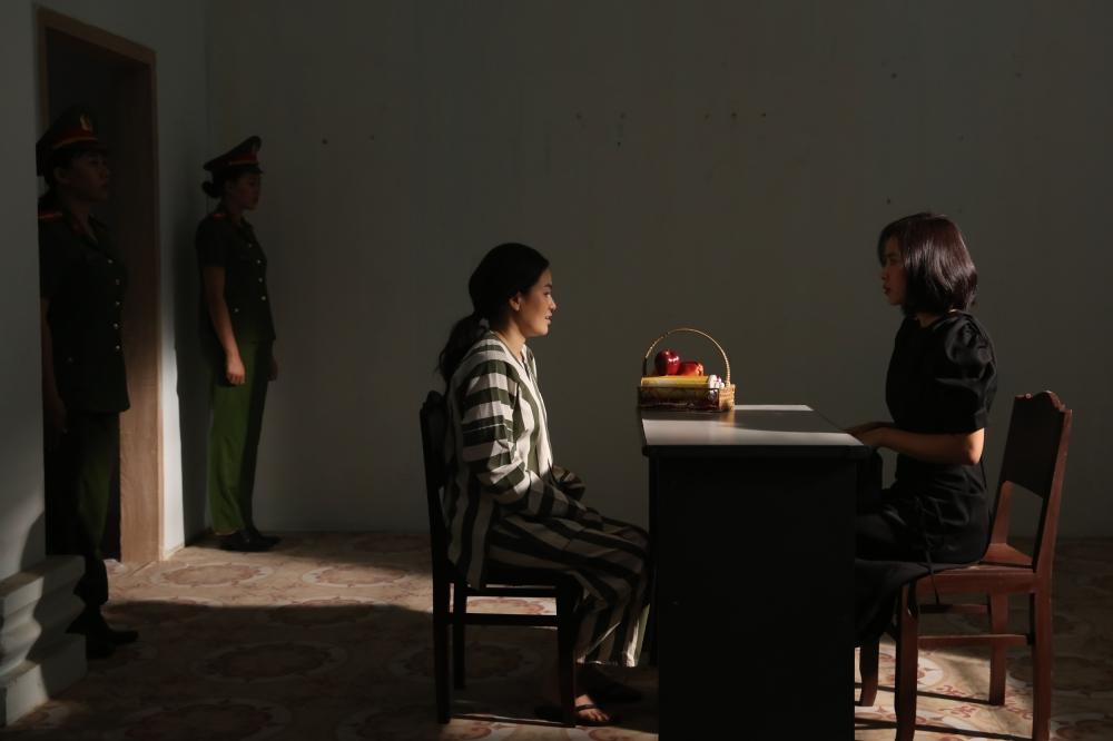 Hạ độc mẹ Huy Khánh bất thành, Hoa hậu Diễm Trần nhận cái kết vào tù, bị đánh đập tơi tả - ảnh 5