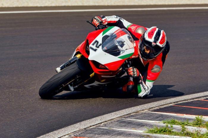 Cận cảnh Ducati Panigale V2 phiên bản đặc biệt - ảnh 16