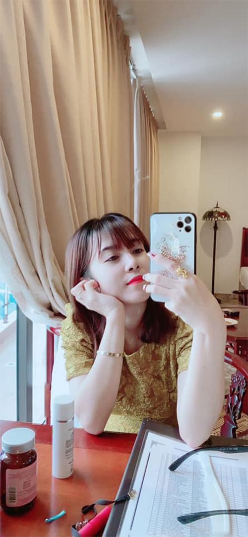 Cô chủ 9X Đỗ Thị Thanh Tâm bén duyên trở thành hot streamer bán hàng online chuyên nghiệp - ảnh 3