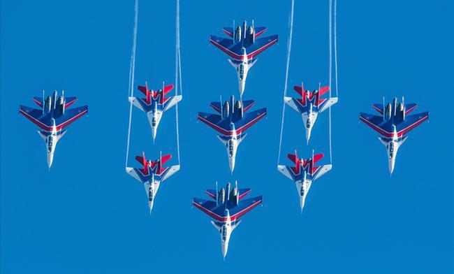 Vì sao NATO căm ghét phi đội máy bay chiến đấu hạng nặng Su-27? - ảnh 4